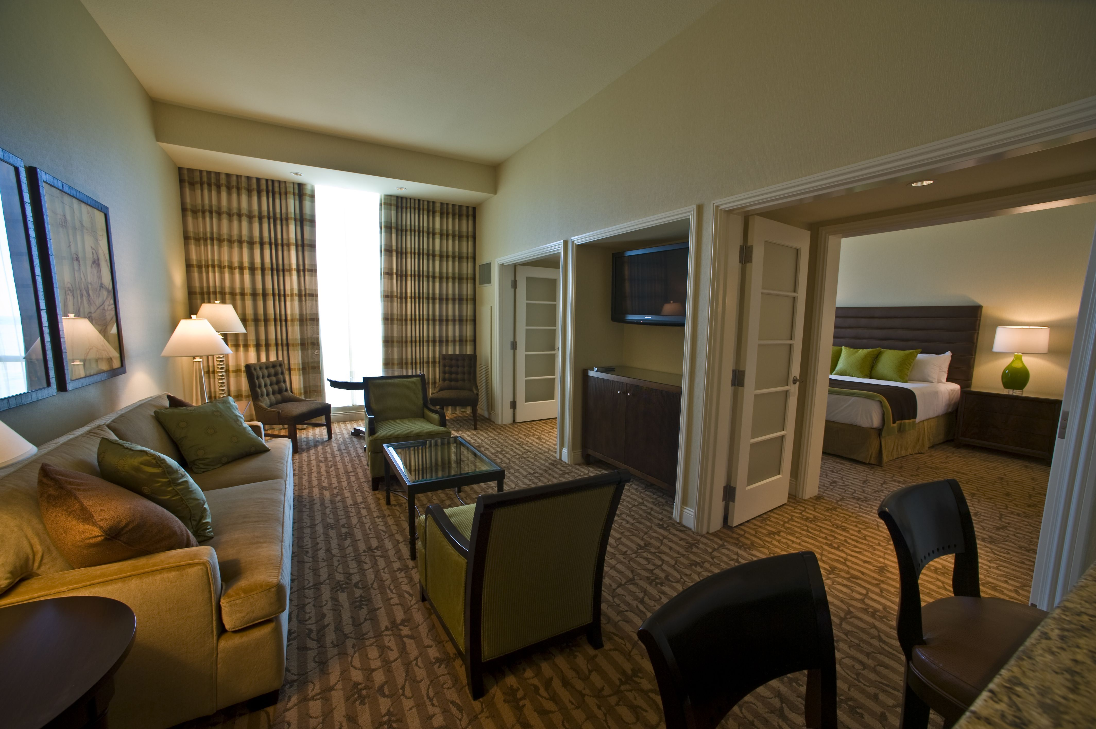 Thunder Valley Casino Resortu0027s Provence Room, A One Bedroom Suite With King  Bed,