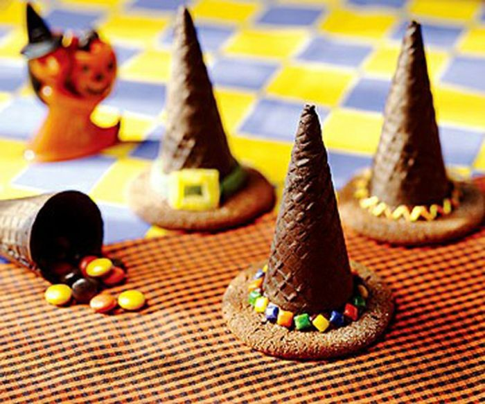 Coole Vorschläge für Halloween Süßigkeiten und Mini-Kuchen - Archzine.net #halloweencraftsfortoddlers