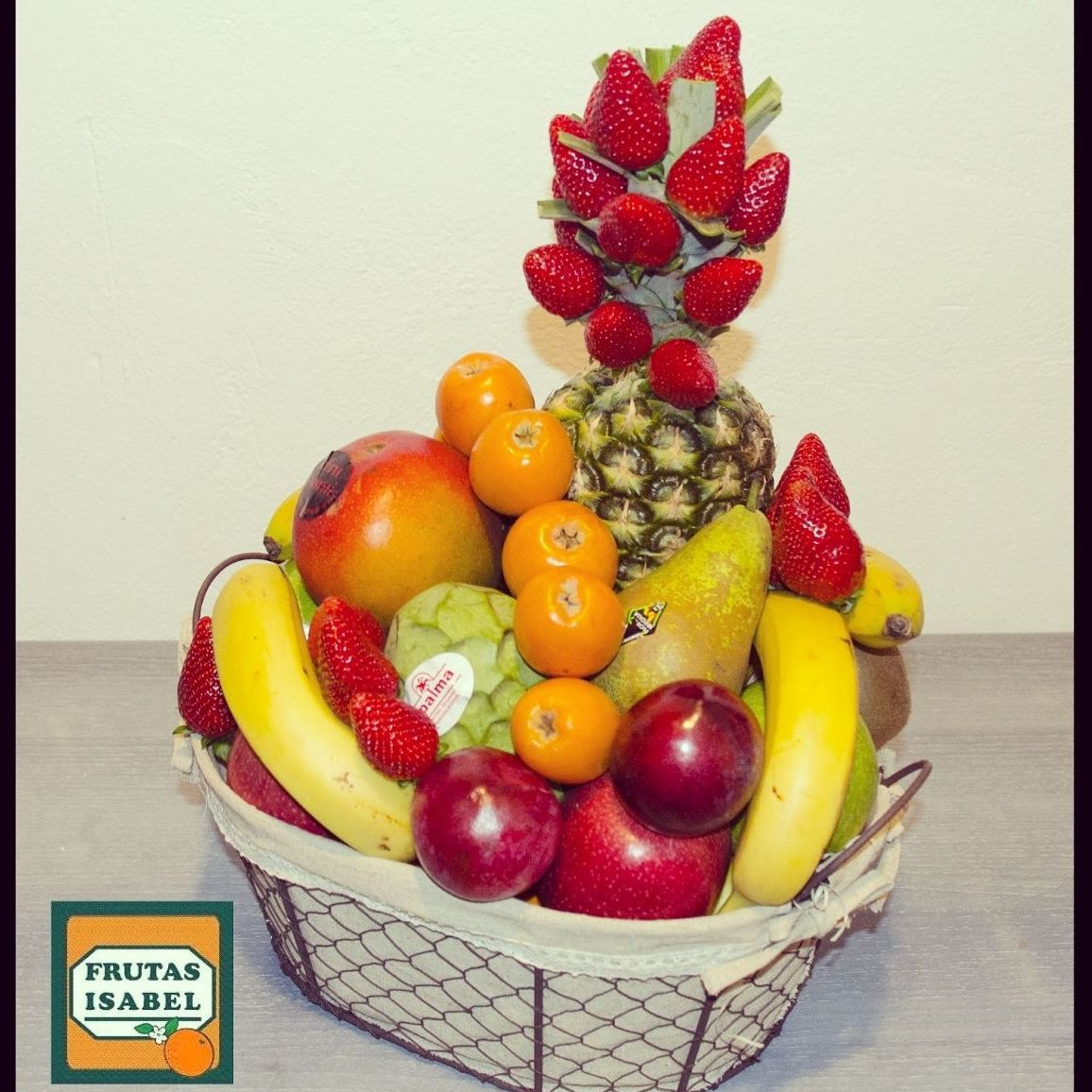 Ideas Para Regalar Cestas De Frutas Fruit Food Plum