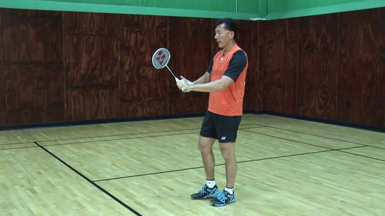 Badminton Tips Defense Against The Smash Coach Andy Chong Http Sportvideos Com And Coach Andy Chong Present Thi Badminton Tips Badminton Badminton Sport