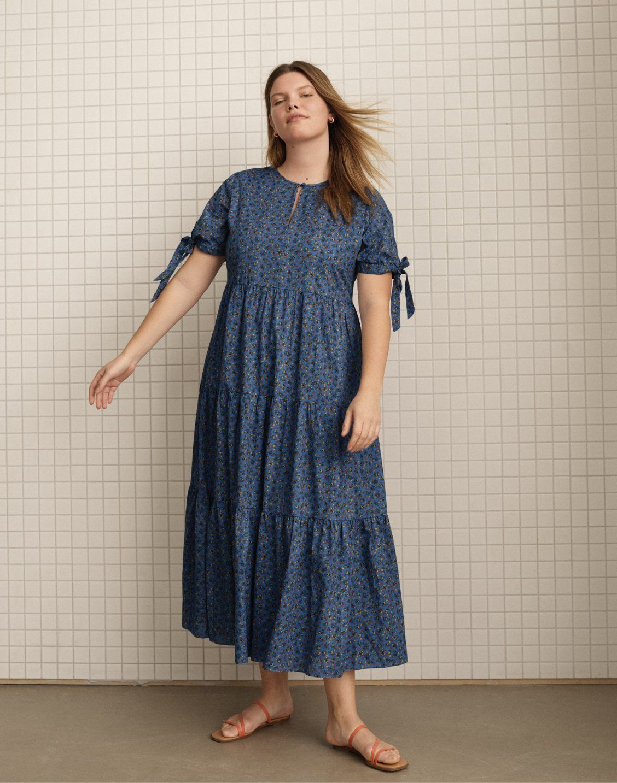 Women S Tie Sleeve Tiered Midi Dress In Calico Floral Dresses Midi Dress Short Sleeve Dresses [ 1433 x 1128 Pixel ]
