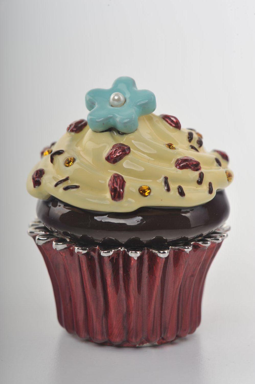 Chocolate and vanilla frosting cupcake
