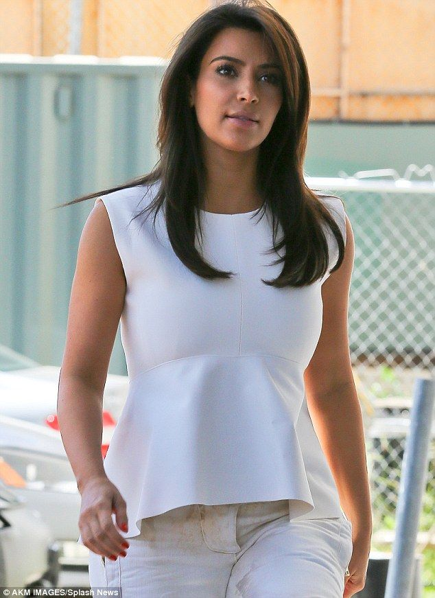 Looking All White Kim Kardashian Keeps It Simple But Effective In