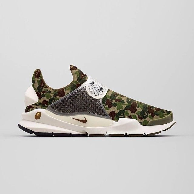 the best attitude e26e4 243ad A Bathing Ape x Nike Sock Dart  Camo Would you cop