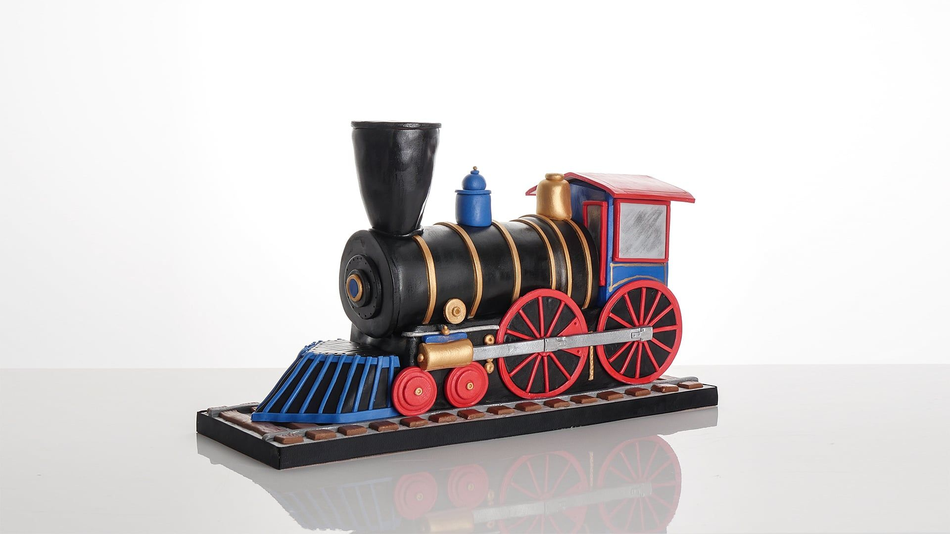 Learn how to make a steam train cake with Paul Bradford ...