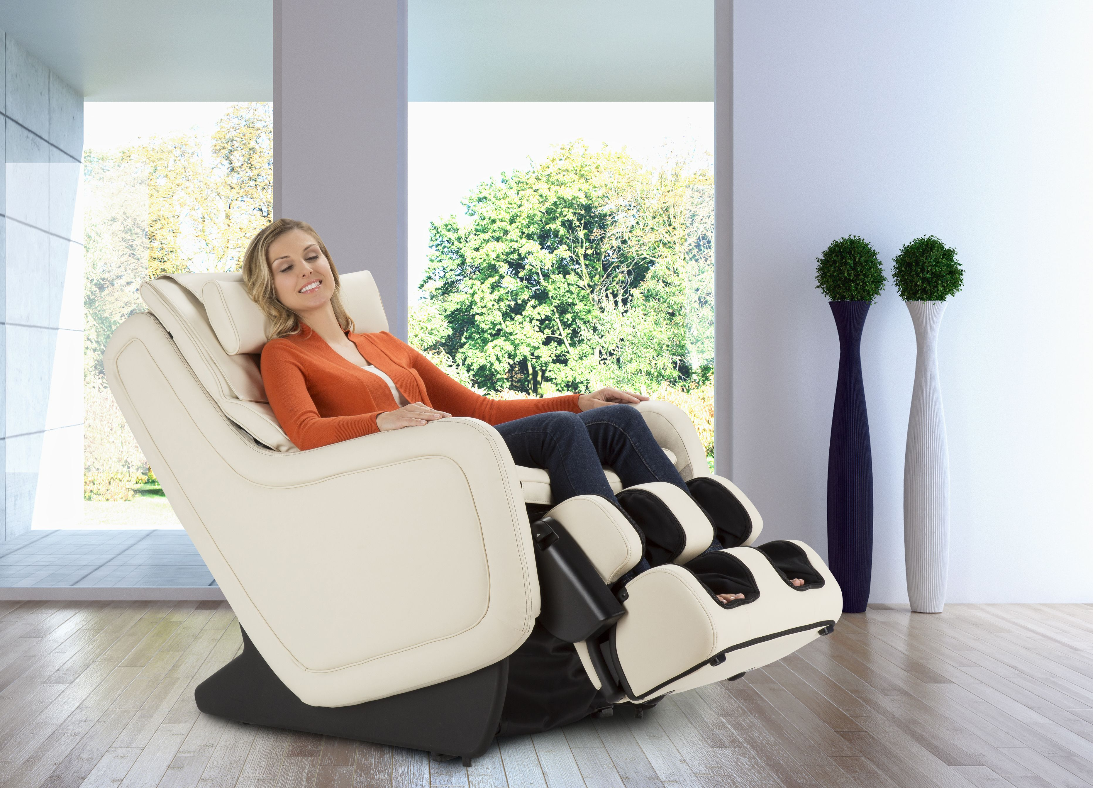 Available in Black, Espresso, and Cream. Massage chair