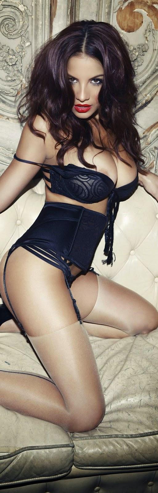 Brunette babe milf in lingerie