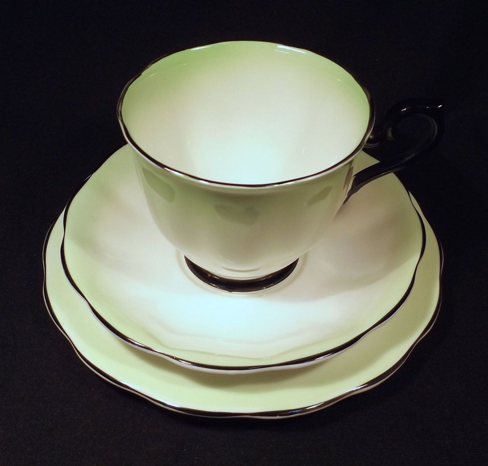 Royal albert bone china tea cup amp saucer winsome pattern ebay - 1950 S Royal Albert Bone China Trio Gradation Green To White With Contrasting Black Trim Adelaide
