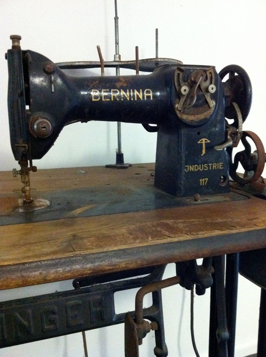 Bernina vintage sewing machines - Table machine a coudre ...