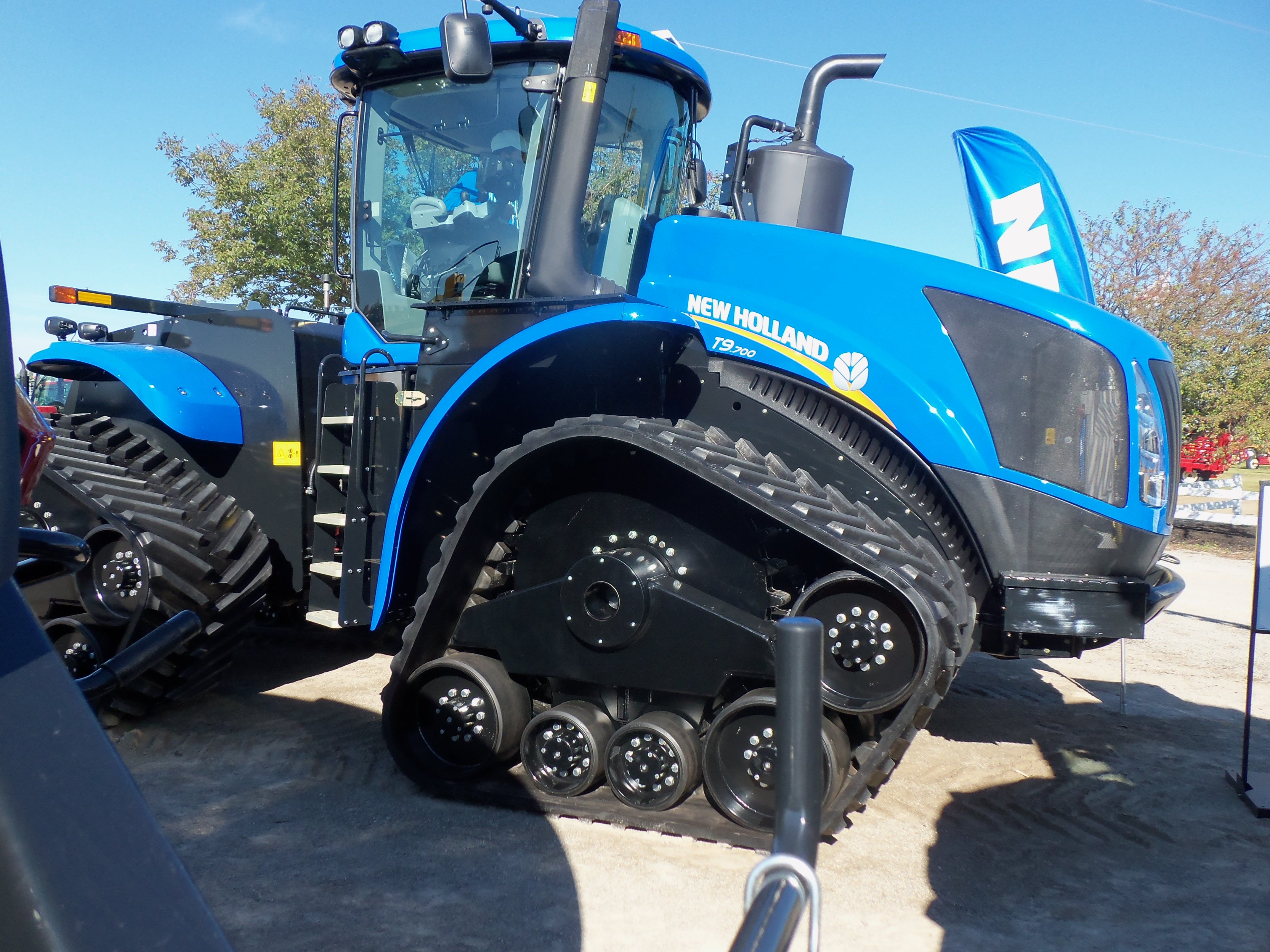 Was surprised to find this 700 hp New Holland T9.700 track tractor