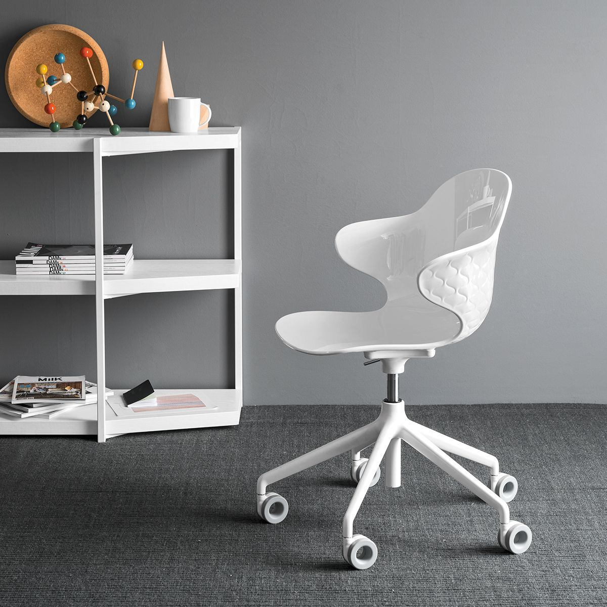 Working (With images) Home office chairs, Swivel office