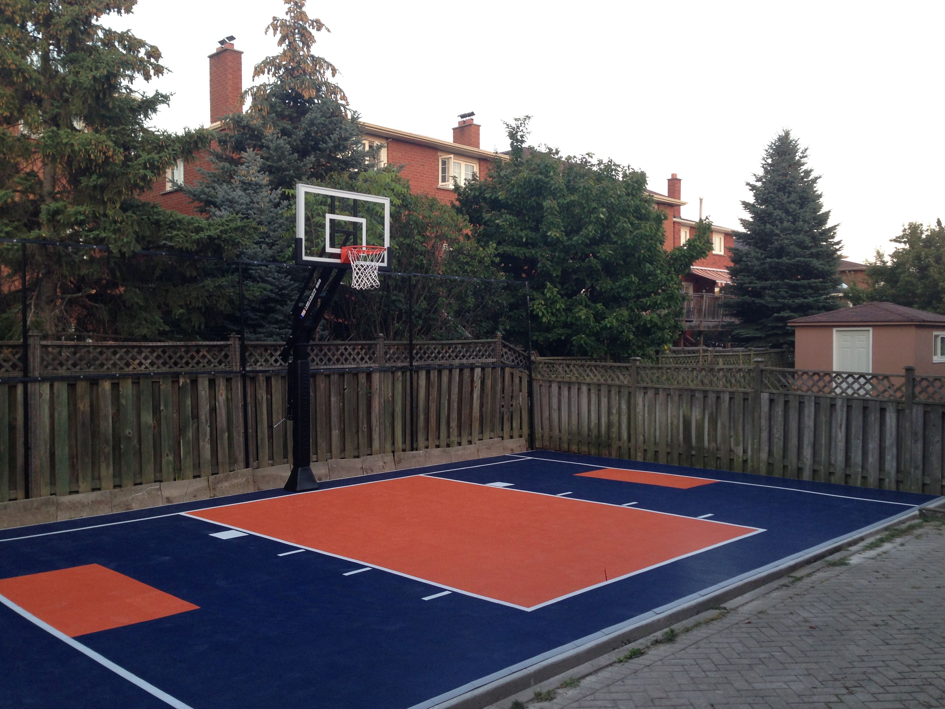 22 X 34 Backyard Court With Snapsports Duracourt Surface Vaughan On Canada Basketball Court Backyard Backyard Court Backyard Basketball