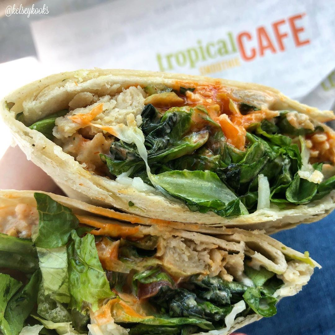 Forgot my salad at home today for lunch so I picked up a buffalo (veggie) chicken wrap from @tropica...