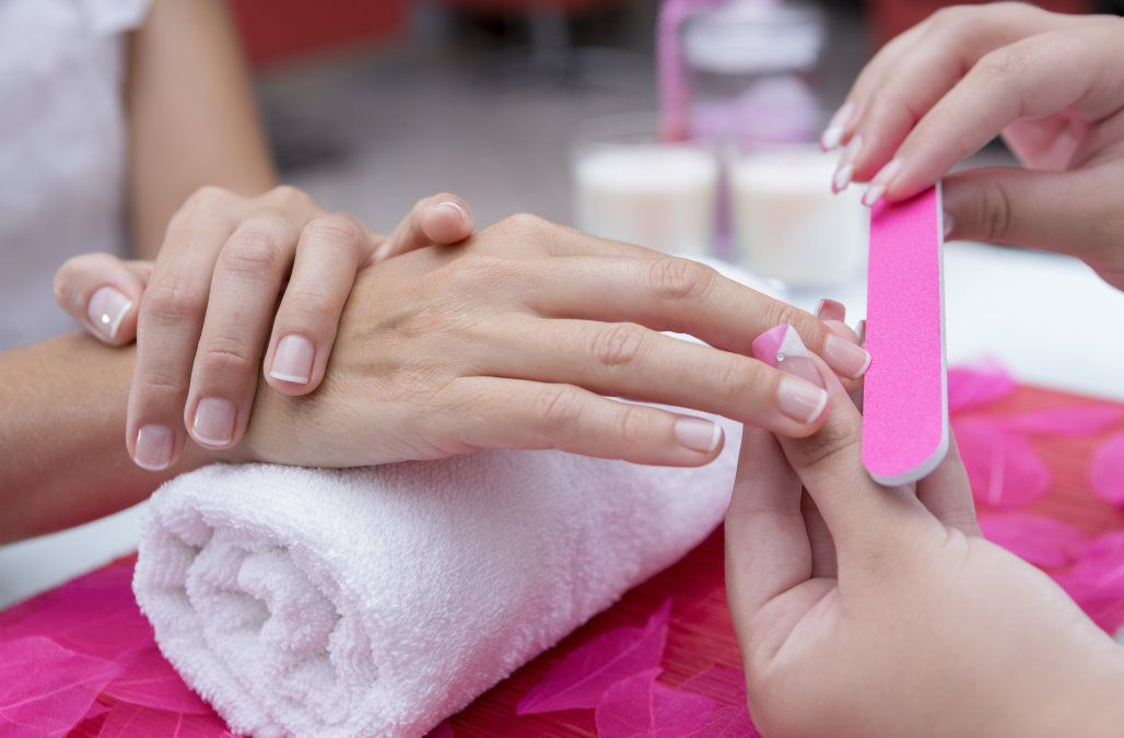 Woman says she contracted deadly flesh-eating bacteria after getting a manicure at a nail salon: Im just lucky to be alive