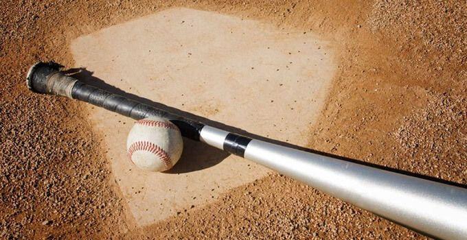Top 10 Best Baseball Bats For 2016 Bat Reviews Awards Baseball Bat Baseball Baseball Wallpaper