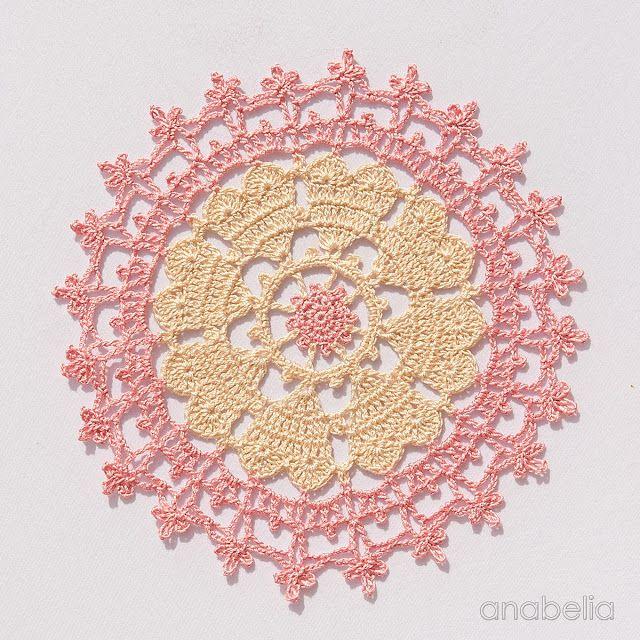 Crown of hearts crochet doily by Anabelia Craft Design | mantas y ...