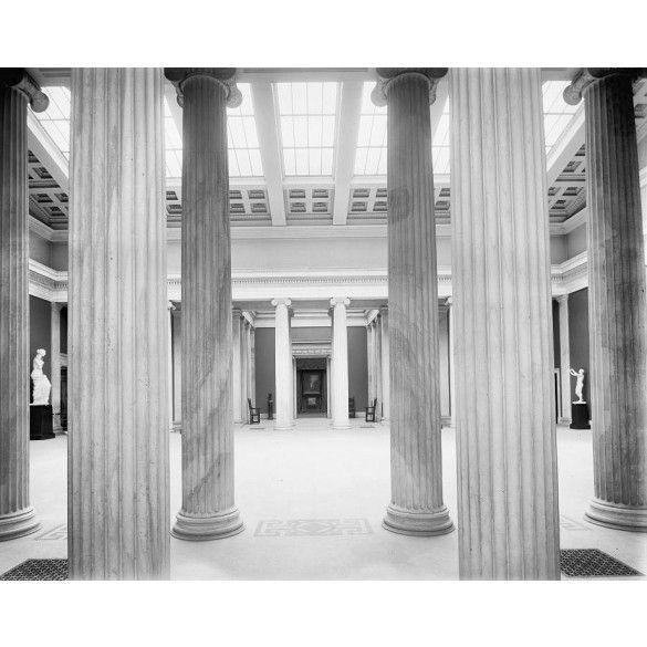 Albright Art Museum, columns