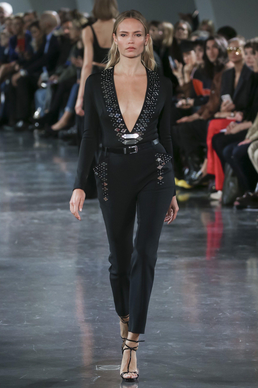 869ee1e9e12 ... Paris Fashion Week day 5. Mugler Spring 2018 Ready-to-Wear Fashion Show