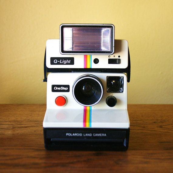 Très Retro Polaroid One Step Land Camera with Q Light | Polaroid  JH39