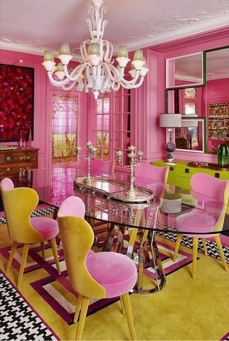 When less is not enough: Maximalist design in 2020 (plus five ways to keep it oh so modern). #design #bold #decor #maximalism