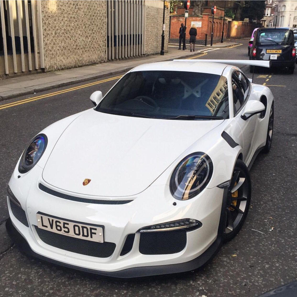Porsche 991 GT3 RS painted in White Photo taken by: @henryjmw on Instagram