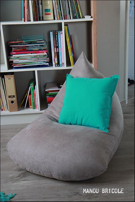 Avant De Vous Parler De La Table Ikea Voici Ce Que J Ai Fait Avec Les Chutes Du Tissu Des Rideaux De La Mezzani Pouf Fait Maison Diy Couture Deco Pouf Poire