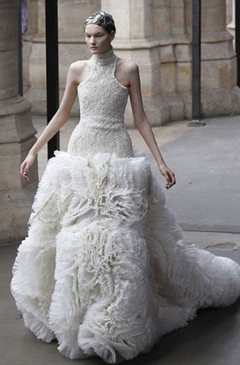 Blondelicious Diamonds Fashion Gallery Sarah Burton Alexander Mcqueen Wedding Dresses