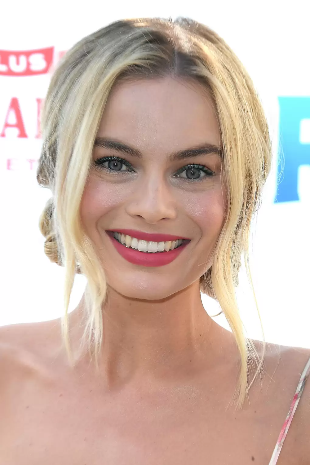 Proof that Margot Robbie has the best beauty game in Hollywood