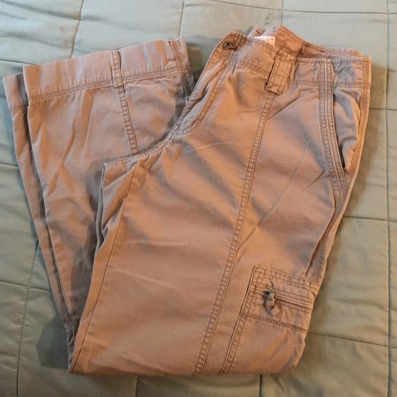 Cargo pants Eddie Bauer cargo pants just sitting in my closet great condition !!!!  No stains or rips Eddie Bauer Pants