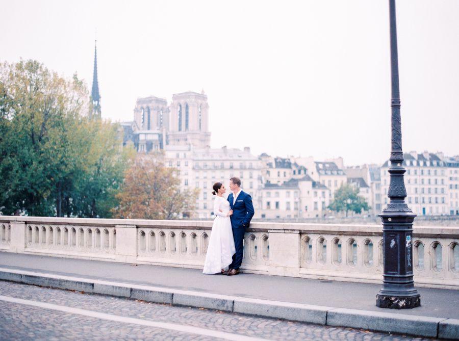 Photography : Le Secret DAudrey Read More on SMP: http://www.stylemepretty.com/destination-weddings/2015/12/24/winter-elopement-in-paris/