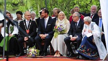 Haakon et Mette-Marit à Spydeberg et Moss
