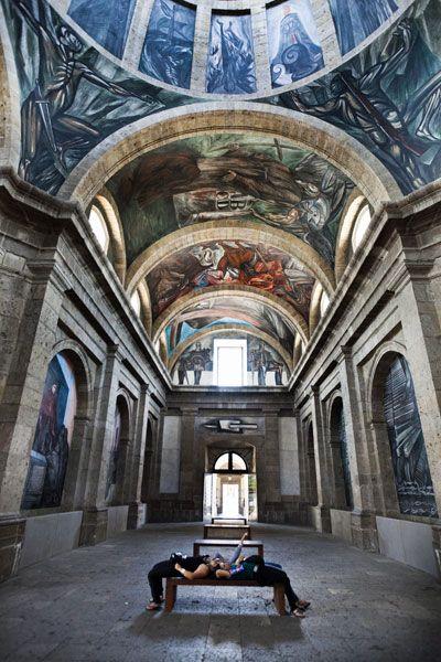 Murales de jose clemente orozco en el instituto caba as for El mural guadalajara jalisco