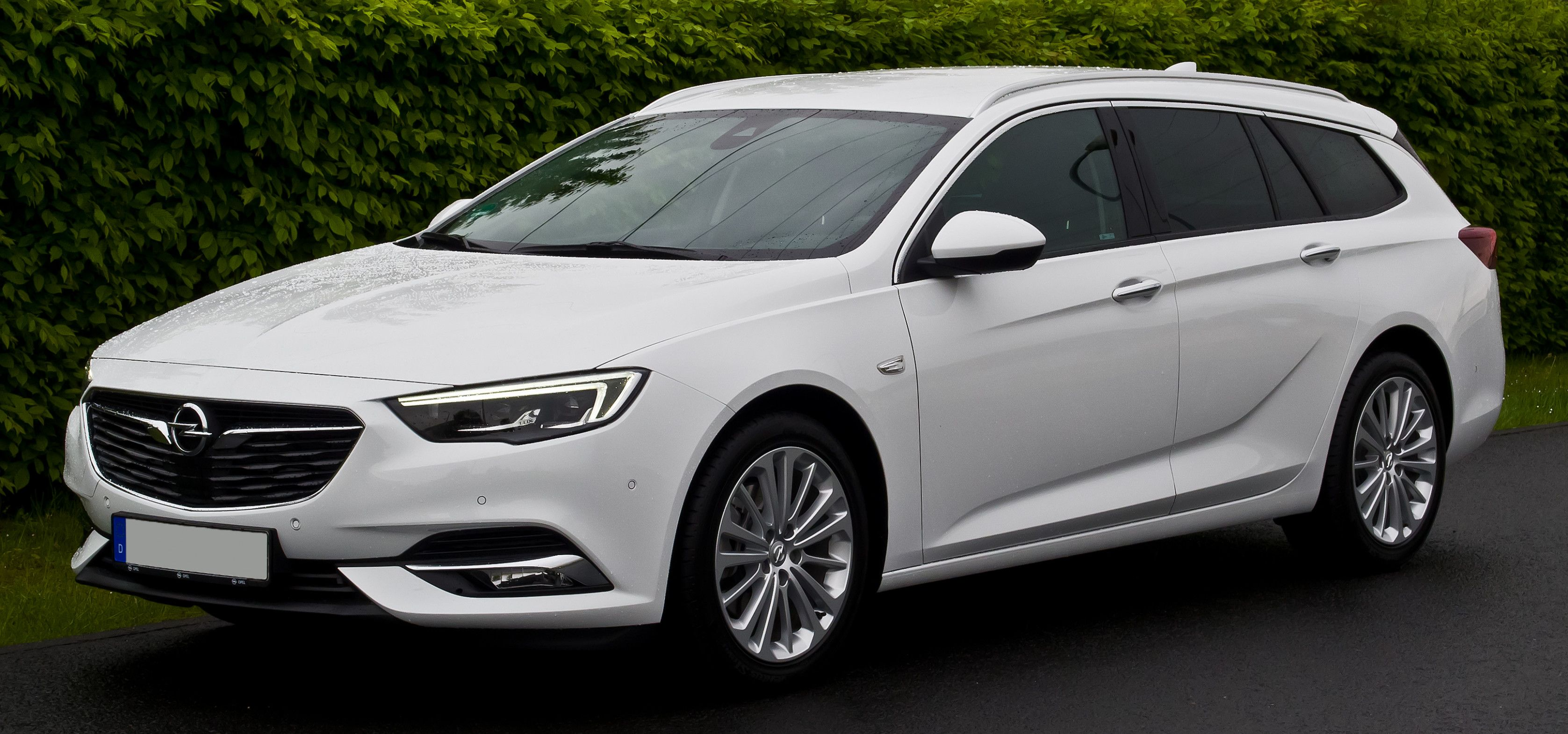 Opel Insignia 2020 Price In Europe Rumors Opel Insignia 2020 Price In Europe Delightful For You To Our Website In This Particular Time I Am Europe Photos Europe Europe Fashion
