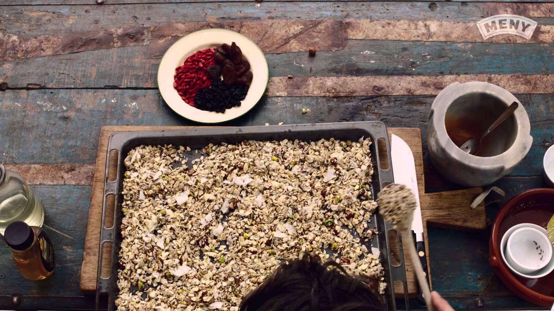 Slik lager du hjemmelaget Granola, men jeg bruker ikke all frukten eller honningen, Bruker sukrin