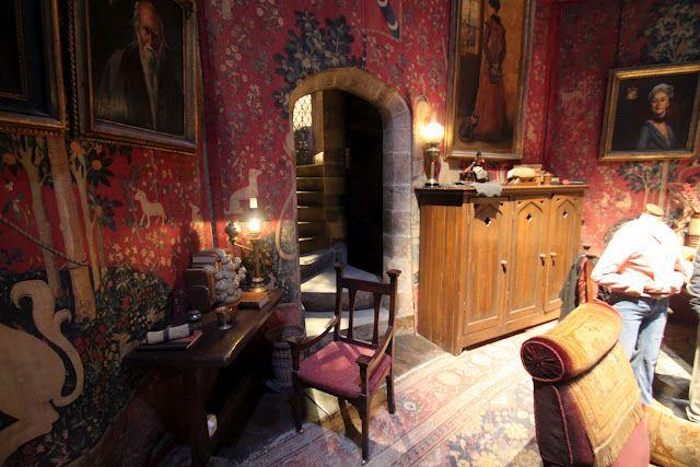 Gryffindor Common Room Dream House Pinterest Room