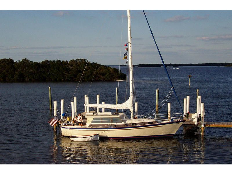 Pearson 365 Pilothouse Click To Launch Larger Image
