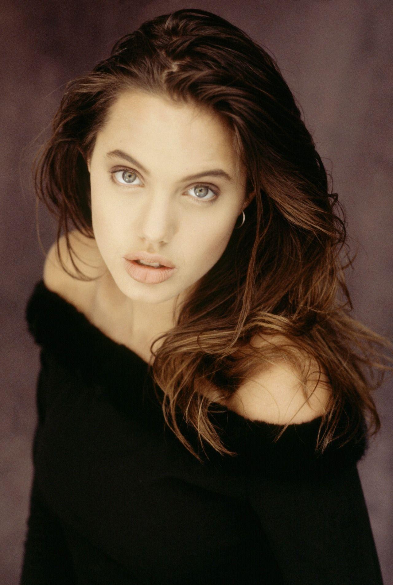 Angelina Jolie Tries A Girl