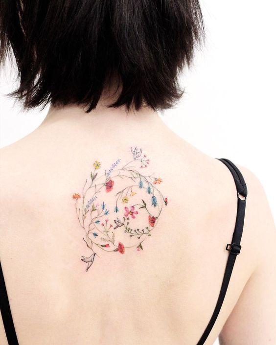 Frühlingshafte Tattoo-Ideen, um die neue Jahreszeit zu begrüßen