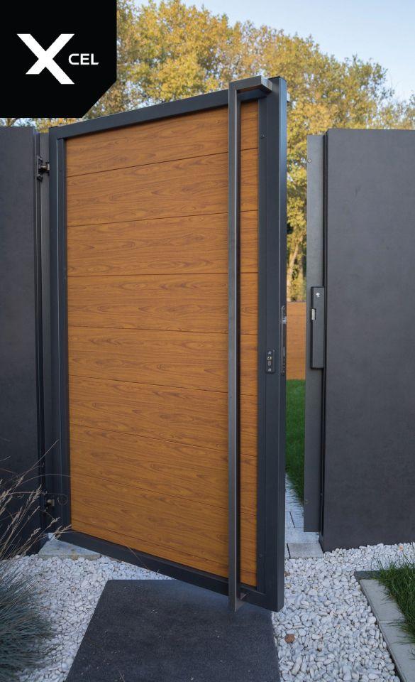Woodlike gate made of aluminum