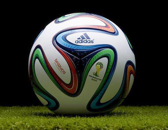 sale retailer 709fc 740f2 Fondo de pantalla, imagen  Adidas Brazuca, balón oficial de la Copa Mundial de  Fútbol número perteneciente a la categoría de Fondos del Mundial de Fútbol  de