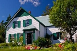 The House Of Green Gables And The Surrounding Gardens Where Lucy Maud Montgomery Lived Is Very Well Taken Care Of Gable House Prince Edward Island Green Gables