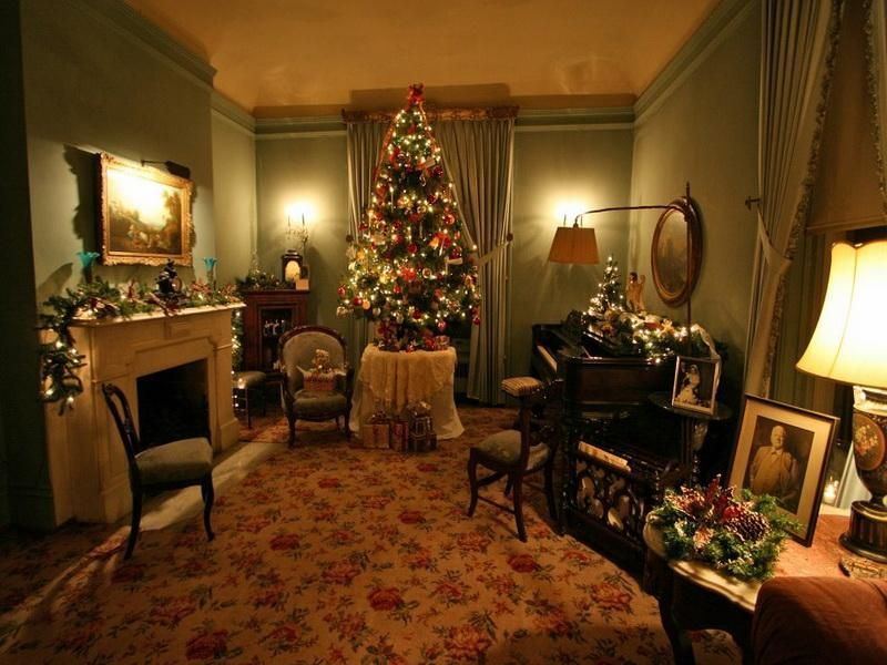 Lovely Old Fashioned Room With Mantle Table Top And Spinet Decorations Of Christmas Decorating IdeasChristmas