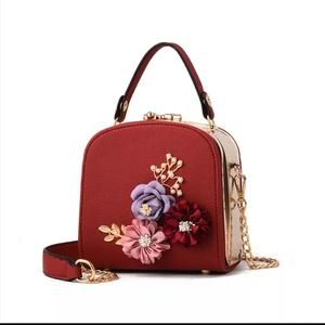 eb17800fc9 Embroidery Flower Flap Women Handbags Casual Mini PU Leather Frame Handbag  Small Functional Chains Shoulder Bags