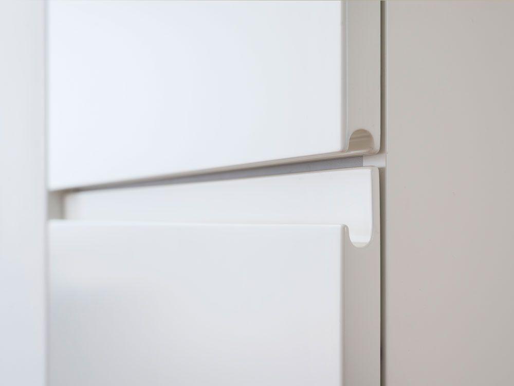 Wohnung M - gefräste Griffleisten - weiß lackiert | Design / Griffig ...