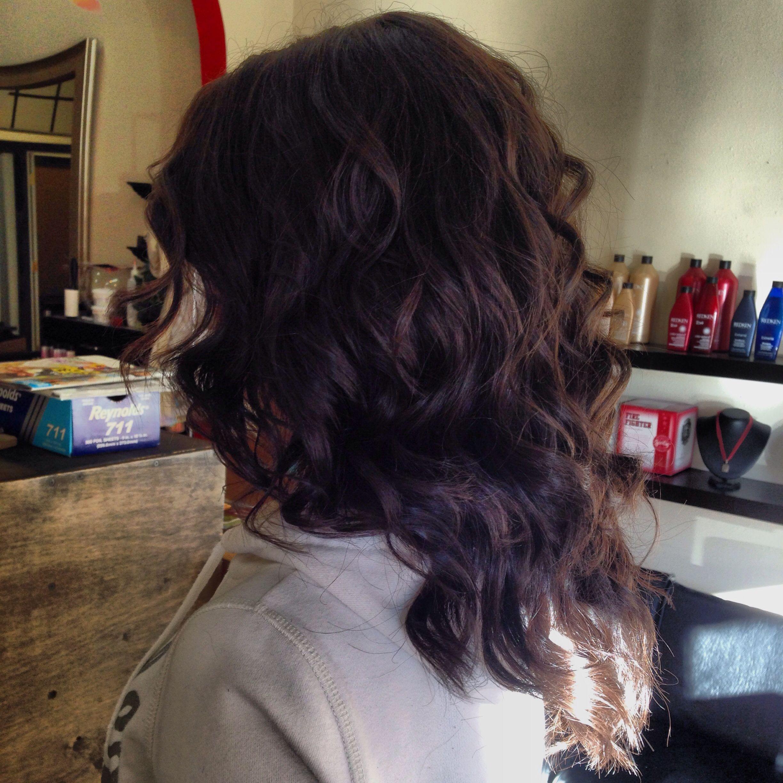 Corte degrafilado en v cabello corto