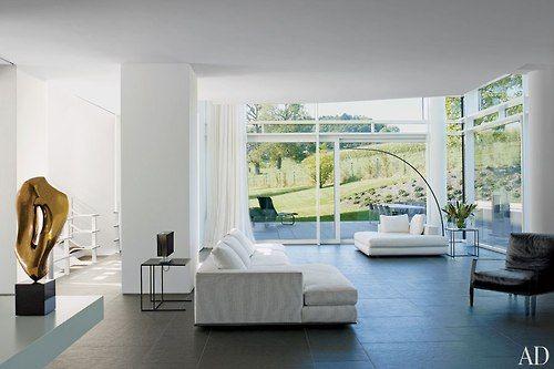 That square piece of sofa....i love it! beautiful minimalism