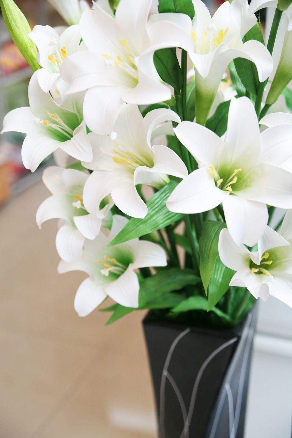 The Meaning Behind Popular Valentine S Day Flowers Flower Meanings Lily Flower Flowers