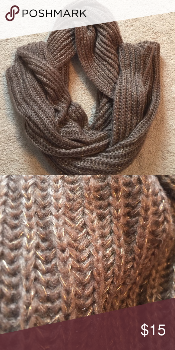 Chunky scarf Brown with gold in it. Big chunky scarf Forever 21 Accessories Scarves & Wraps