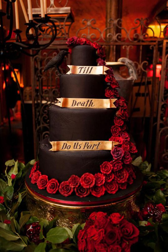 Book Of October Wedding Cake Inspired By Bram Stokers Dracula