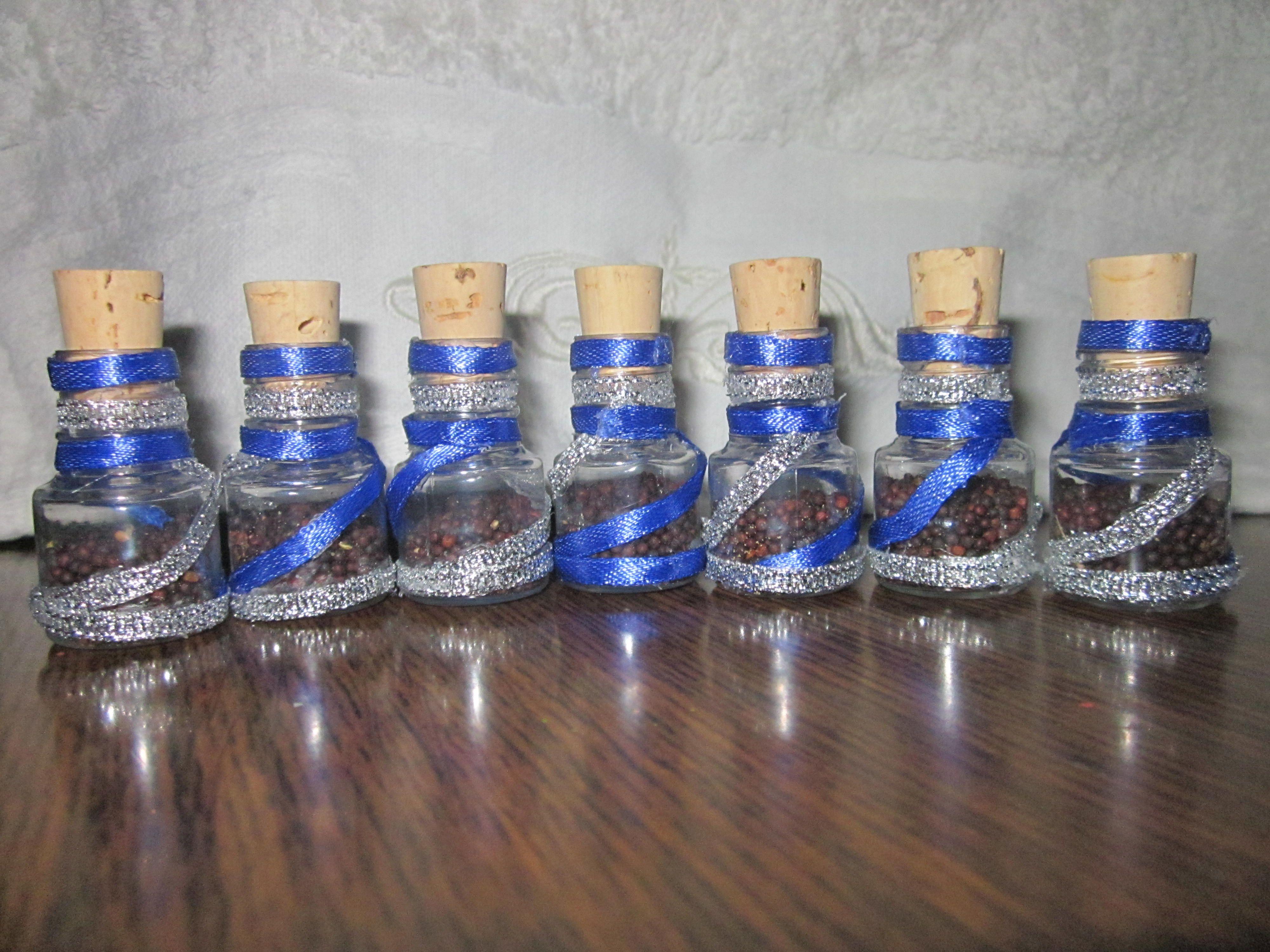 Souvenir en peque os frascos decorados con list n y - Comprar tarros de cristal pequenos ...